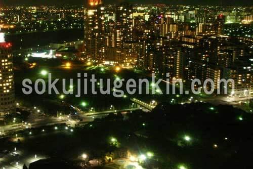 千葉幕張の街は夜まで賑わいを魅せております